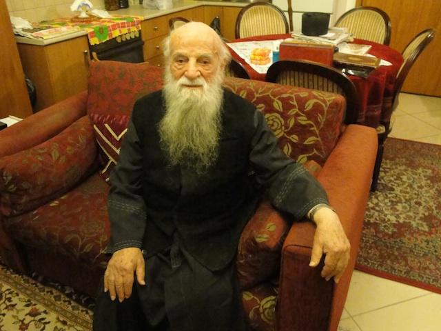 90 yıllık sürgün Anastasios Madencioğlu. Ama o hala Erbaalı